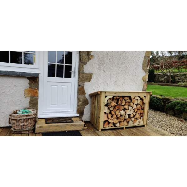 Enhance your home with a quality Coppice log store
